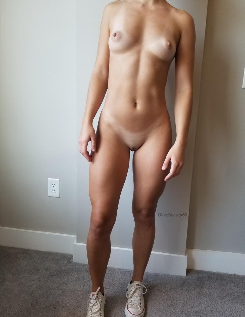 Девушки: Красивые груди (10 фото)
