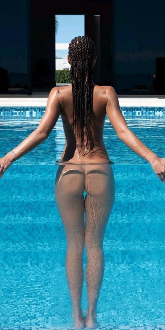 Девушки: Девушки в купальниках (10 фото)